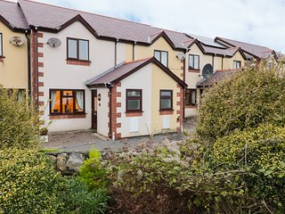 3 MAES CAPAL, Hot tub, WiFi, Pet-friendly, Cemaes Bay