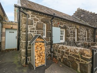 NINIAN COTTAGE, Woodburner, 2 bedrooms, Port Bannatyne