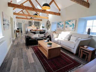 THE LOFT, open-plan, beams, Fenwick
