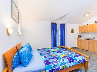 Nellatoni A2 studio for 2 persons with WiFi, balcony, grill