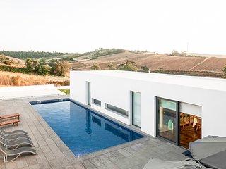 5 bedroom Villa in Enxara dos Cavaleiros, Lisbon, Portugal : ref 5689302