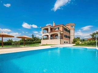 5 bedroom Villa in Ruzic, Sibensko-Kninska Zupanija, Croatia : ref 5692893