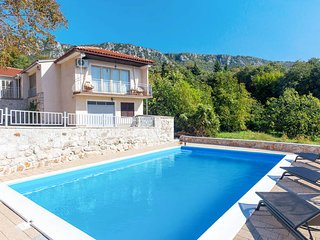 3 bedroom Villa in Bribir, Sibensko-Kninska Zupanija, Croatia : ref 5692300