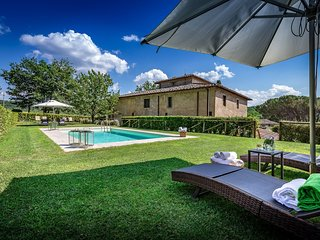 Fabbrica Villa Sleeps 12 with Pool Air Con and WiFi - 5226675