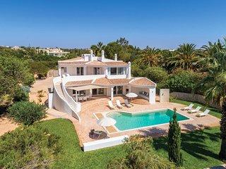 4 bedroom Villa in Benagil, Faro, Portugal : ref 5691640