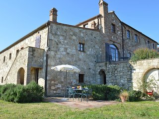 2 bedroom Apartment in Asciano, Tuscany, Italy : ref 5692454