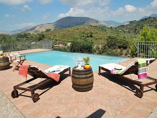 4 bedroom Villa in Il Pizzone, Latium, Italy - 5177644