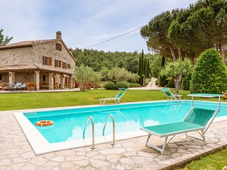 6 bedroom Villa in Izzalini, Umbria, Italy : ref 5716035