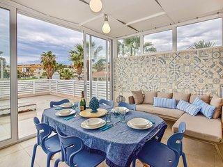 2 bedroom Villa in Marina di Ragusa, Sicily, Italy : ref 5692864