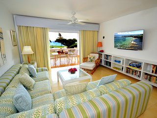 GORGEOUS Beach Apartment in Secure Compound Near Ocho Rios