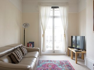ELEGANT, COZY APARTMENT IN LEAMINGTON SPA