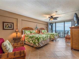 Luxury 5th floor Ocean Front Studio with Amazing Kitchen! Sleeps 4 DECEMBER SALE