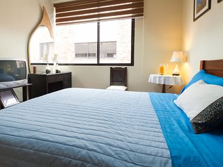 CONFORTABLE ROOM IN UPTOWN QUITO FOR 2 WITH WI-FI