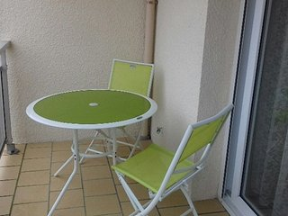 Cozy apartment very close to the centre of Fort-Mahon-Plage with Parking, Terrac