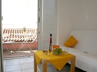 Cozy apartment in the center of Crikvenica with Parking, Internet, Air condition