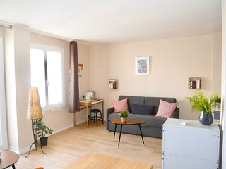 Cosy studio in the center of Marseille with Lift, Parking, Internet, Washing mac