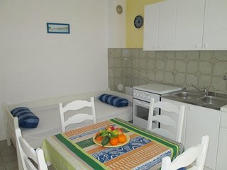 Cozy apartment in the center of Hvar with Parking, Internet, Air conditioning, B