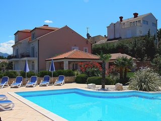 Spacious villa in the center of Cavtat with Parking, Internet, Washing machine,
