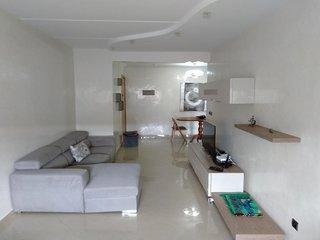 Spacious apartment Downtown Maarif