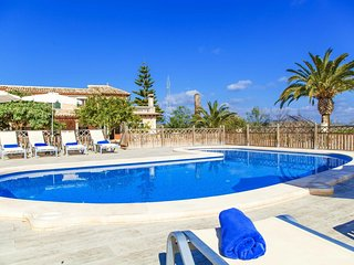 Spacious villa in Costitx with Parking, Internet, Washing machine, Air condition