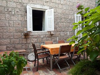 Cozy house in the center of Cavtat with Internet, Washing machine, Air condition