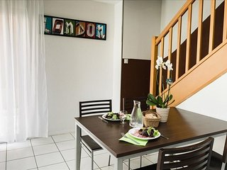 Cozy apartment very close to the centre of Gerzat with Parking, Internet, Pool,