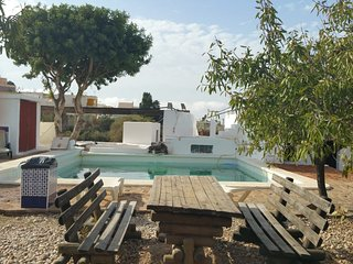Spacious house in the center of El Pozo de los Frailes with Parking, Internet, W