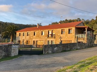 Cozy house in Malpica de Bergantinos with Parking, Internet, Washing machine