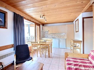 Cozy apartment very close to the centre of Morzine with Parking, Internet, Balco