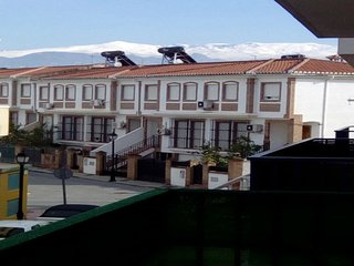 Spacious apartment in Las Gabias with Lift, Parking, Internet, Washing machine