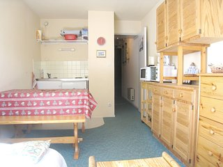 Cosy studio in Bolquere with Parking, Internet