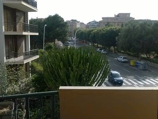 Spacious apartment very close to the centre of Cagliari with Parking, Internet,