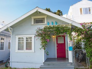 Charming bungalow between Abbot Kinney & the beach