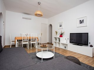 Spacious apartment in the center of Sitges with Lift, Internet, Washing machine,