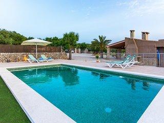 Cozy villa in Santa Margalida with Parking, Internet, Washing machine, Air condi