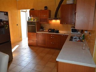 Spacious apartment in the center of Rozat with Parking, Internet, Air conditioni