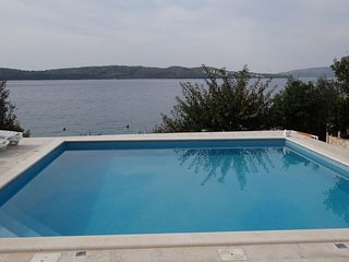 Cozy apartment in the center of Trogir with Parking, Internet, Air conditioning,