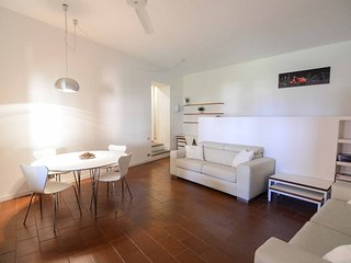Spacious apartment in the center of Bellagio with Internet, Washing machine, Air