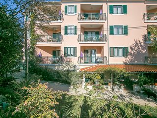 Spacious apartment very close to the centre of Rovinj with Parking, Internet, Ai
