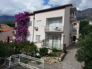 Cosy studio in the center of Podgora with Parking, Internet, Air conditioning, T