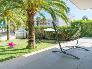 Spacious house a short walk away (434 m) from the 'Playa Es Barcares' in Alcudia