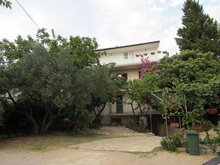 Cozy apartment in the center of Sveti Filip i Jakov with Parking, Internet, Air