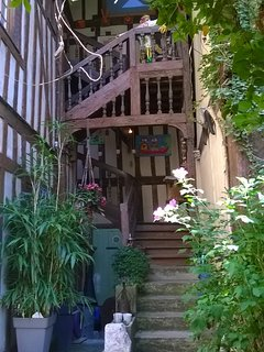 Cozy apartment in the center of Troyes with Parking, Internet, Air conditioning,