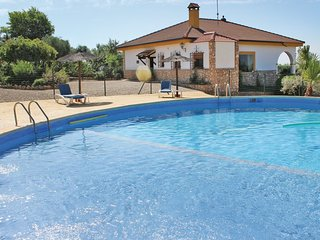 Spacious house in Hornachuelos with Parking, Internet, Washing machine, Air cond