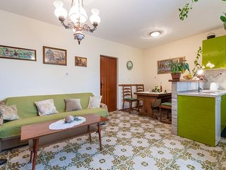 Spacious apartment in the center of Komiza with Parking, Internet, Washing machi
