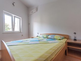 Cosy studio in the center of Kupari with Parking, Internet, Air conditioning, Ba