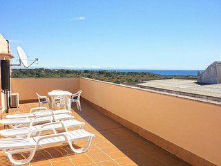 Spacious apartment a short walk away (214 m) from the 'Cala Figuera' in Cala Fig