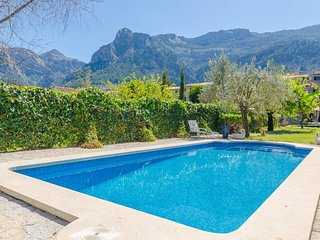 Spacious villa in Sóller with Internet, Washing machine, Pool, Balcony
