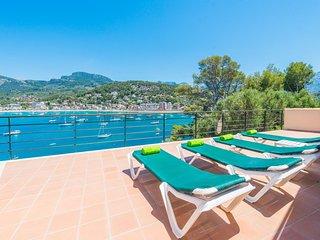 Spacious villa a short walk away (172 m) from the 'Playa d'En Repic' in Soller w
