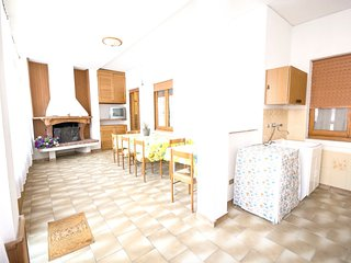 Spacious house in Villamassargia with Parking, Washing machine, Air conditioning